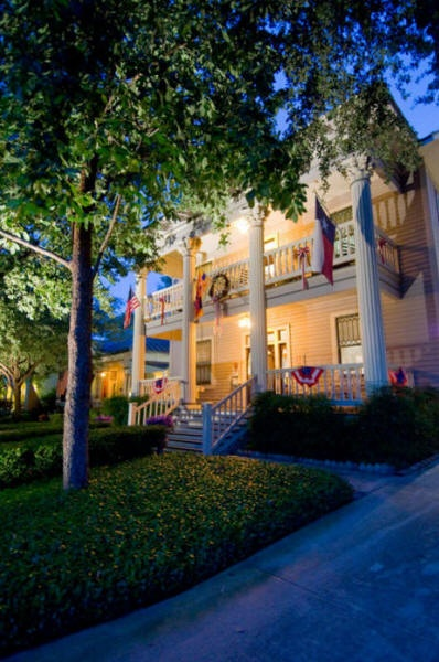 Bacon mansion bed and breakfast - san antonio - u . s . states and luxury of
