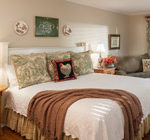 Chattanooga bed and breakfast guest rooms at chanticleer inn