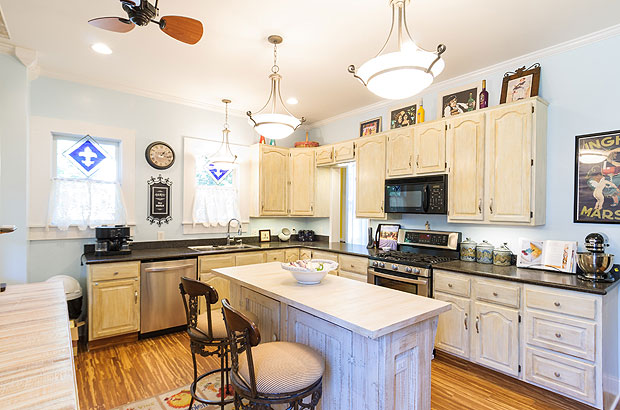 Franklin indiana bed and breakfast inn - the flying frog bed and breakfast fi and lots of space