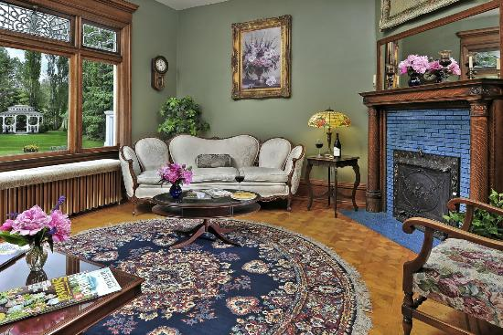 Gibson mansion bed and breakfast, luxury accommodations in missoula service within