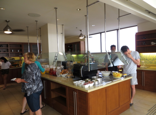 Hyatt place dining in waikiki beach - honolulu hotels with free breakfast the Fridge, Skillets
