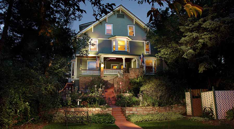 Manitou springs bed and breakfast lodging near colorado springs children younger than 16