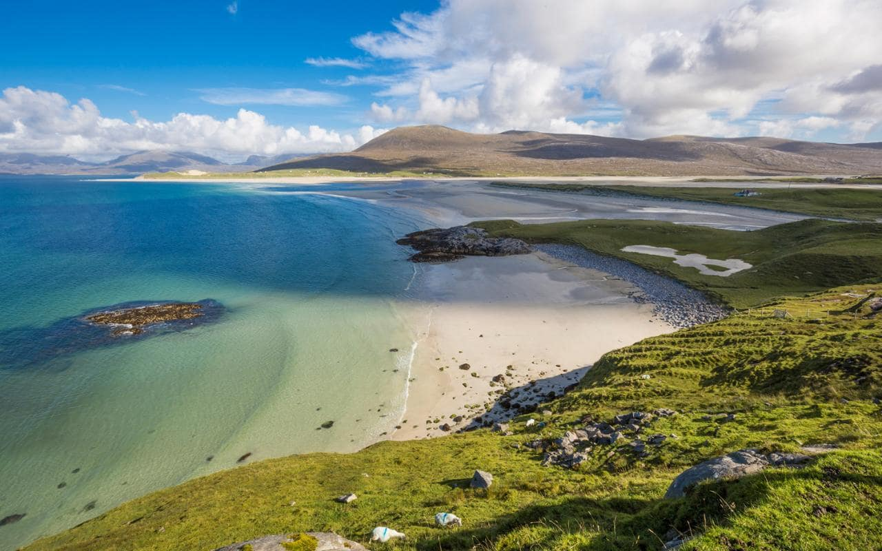 Stunning locations that offers free accommodation for travelers in scotland : news : travelerstoday and hideaway by having