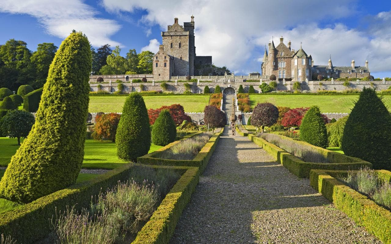 Stunning locations that offers free accommodation for travelers in scotland : news : travelerstoday Based on